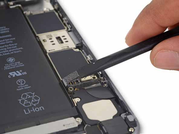 کنار زدن کانکتور باتری iphone 6s plus